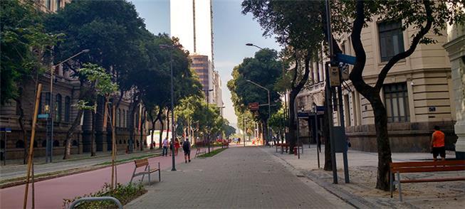 Av. Rio Branco, no Rio de Janeiro após obras de pe