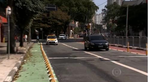 Avenida Liberdade ganha faixa exclusiva para pedes