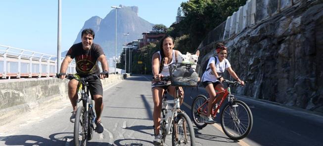 Avenida Niemeyer desfrutada por famílias e atletas