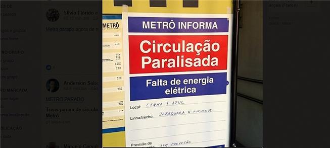 Aviso na entrada da estação São Judas, da Linha 1