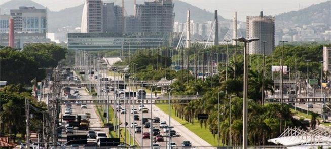 Barra da Tijuca, no Rio: constantes congestionamen