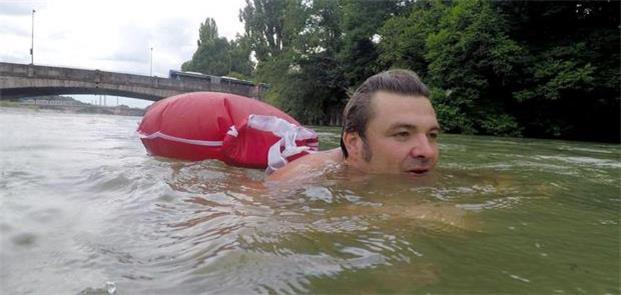 Benjamin David, o alemão que vai ao trabalho nadan