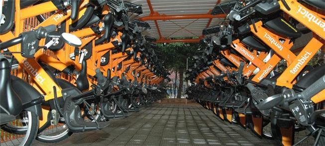 Bicicletário do Bike Sampa no Terminal Cidade Tira
