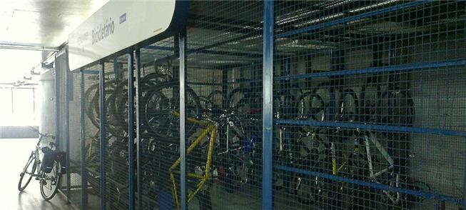 Bicicletário na Estação Sé do Metrô: sem vagas