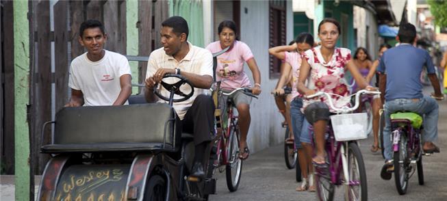 Bicicletas e bicitáxi, o transporte sustentável de