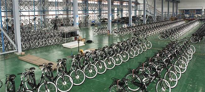 Bicicletas em galpão no polo industrial de Manaus