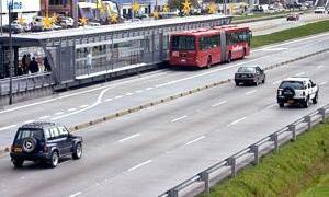 BRT de Bogotá, na Colômbia: BH desisite do modelo