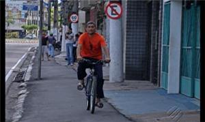 Calçada compartilhada em Belém não agradou morador