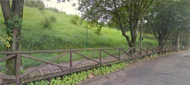 Calçada elevada em Jundiaí (SP)