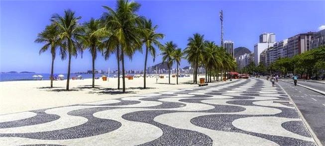 Calçadão de Copacabana: quase 100 mil m² de 'petit