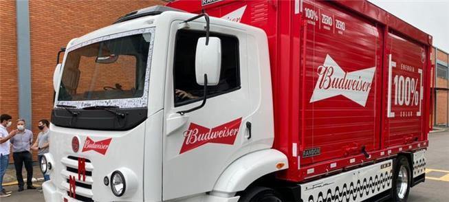 Caminhão elétrico da Ambev: projeto inicia com pil