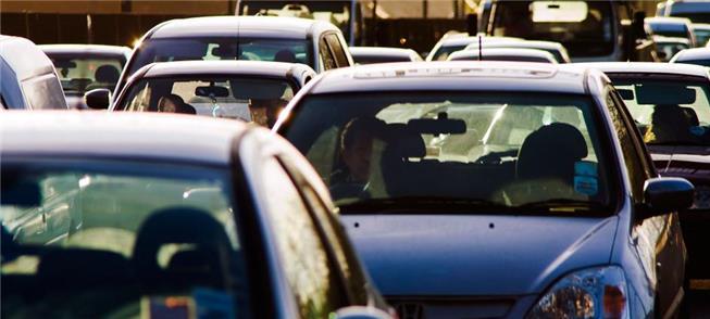 Carros a diesel e gasolina com dias contados na Eu