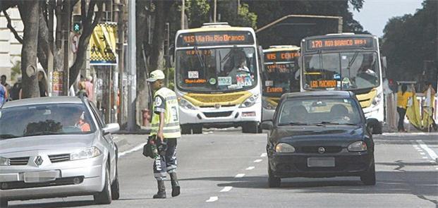 Carros particulares abordados por orientadores de