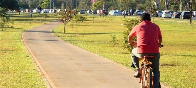 Ciclista solitário e