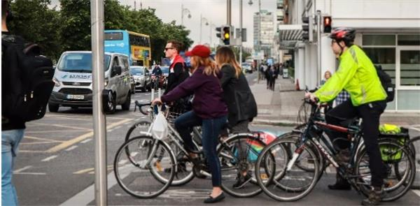 Ciclistas em Dublin durante o Velo City 2019
