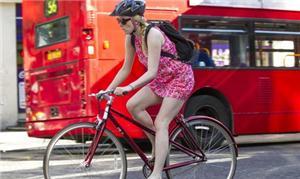 Ciclistas em Londres às vésperas da abertura da Ol