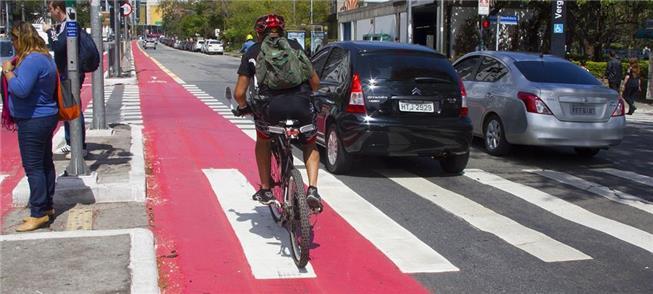 Ciclistas em São Paulo: mais 1.400 km são previsto