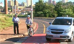 Ciclistas temem riscos de acidentes em cruzamentos