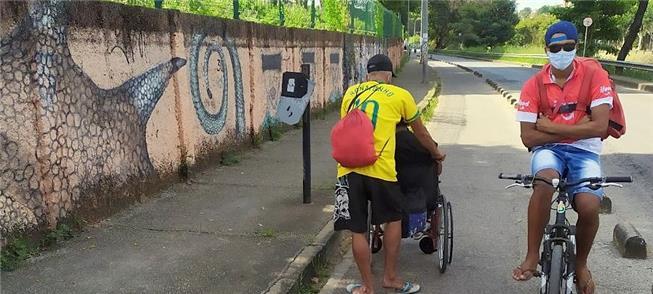 Ciclofaixa na av. dos Andradas, em Belo Horizonte