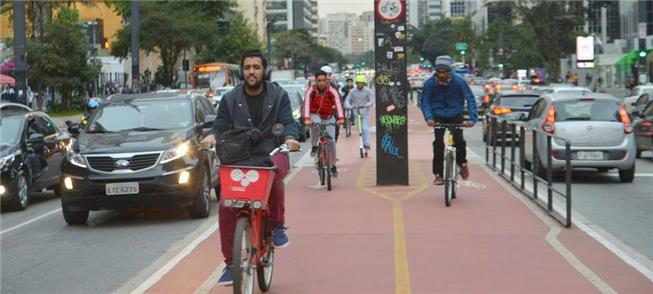 Ciclovia da Av. Paulista: espaço para pedalar e ec