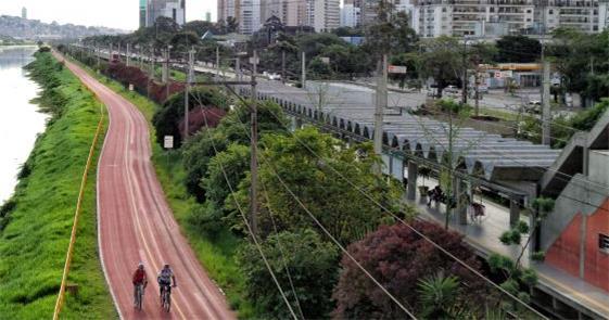 Ciclovia da marginal Pinheiros, em São Paulo