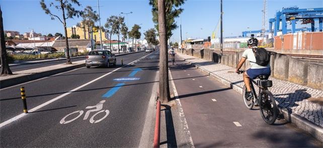 Ciclovia e faixa compartilhada em Lisboa: contra a