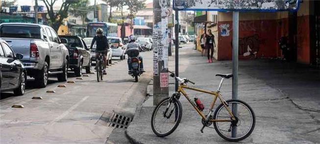 Ciclovia em Belo Horizonte: sinalização deficiente