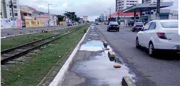 Ciclovia na Av. Rio de Janeiro: péssima conservaçã