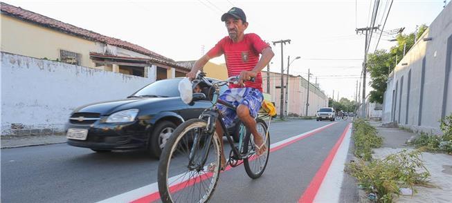 Ciclovia no bairro José Bonifácio, em Fortaleza