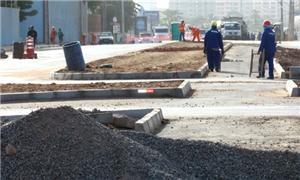 Ciclovia recebendo a pavimentação