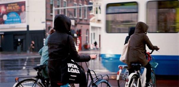 Cidade das bikes, Amsterdã avança na luta contra p
