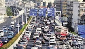 Cidade de Wuhan vive transtornos do trânsito