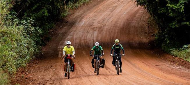 Cientistas pedalam pela preservação do Cerrado