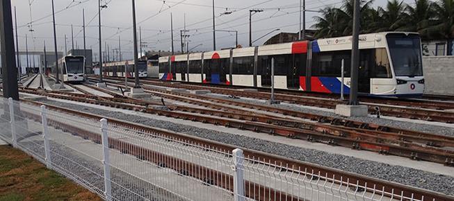 Com 14 estações, VLT de Santos (SP) já opera nesta