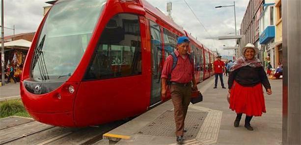 Composição do Tranvía de Cuenca circula em fase ex
