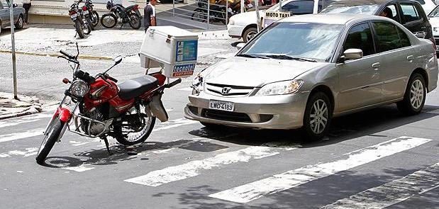Condutores devem respeitar sinalização