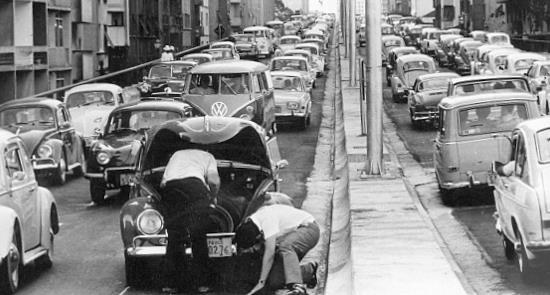 Congestionamento no Minhocão já em 1971
