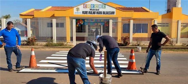 Creche em Sena Madureira (AC) recebe pintura de fa