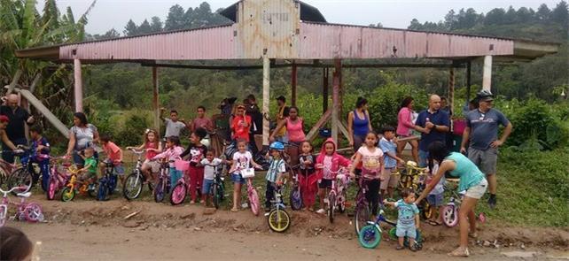 Crianças de São Bernardo do Campo recebem bikes re