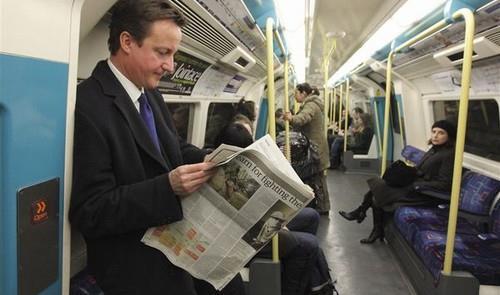 David Cameron no metrô de Londres, em 2015
