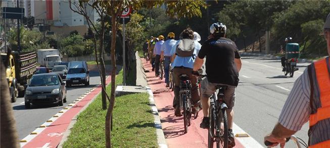 Em 2014, era aberta a primeira ciclovia na zona le