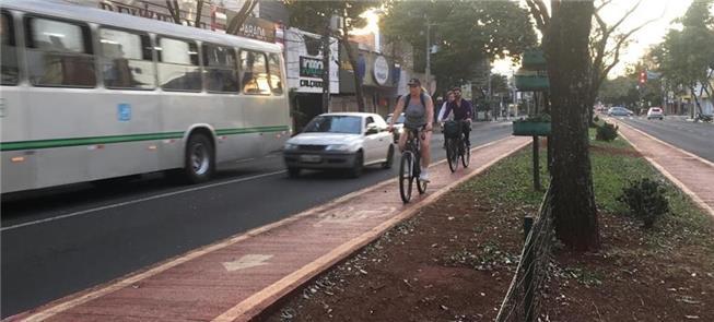 Em Maringá, bicicleta desponta como opção na pande