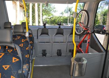 Em teste: ônibus com espaço interno para bikes