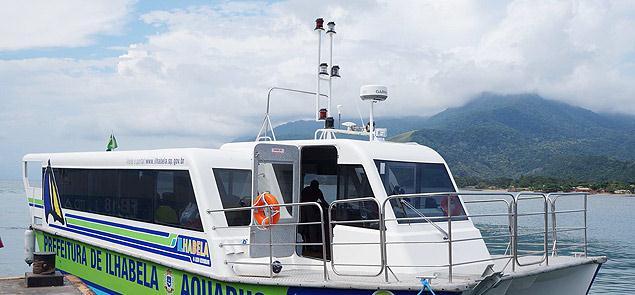 Embarcação do sistema de transporte marítimo públi