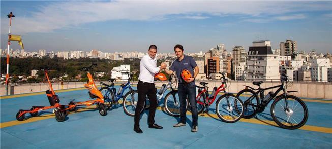 Empresários selam parceria para serviço de aluguel
