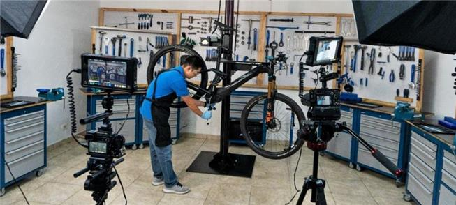 Escola ensina mecânica de bike, agora também onlin
