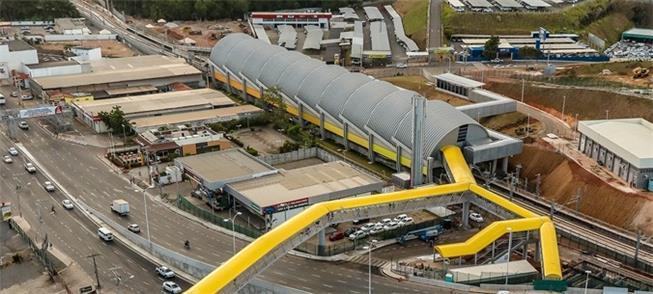 Estação Aeroporto, e passarela até terminal de ôni