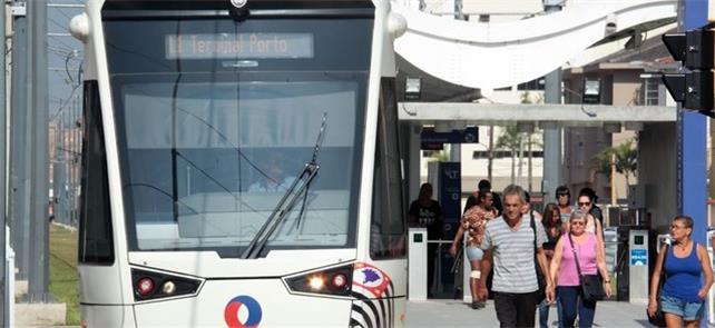 Estação do VLT na cidade litorânea de Santos (SP)