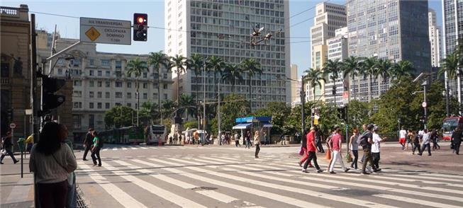 Estatuto do Pedestre é sancionado por João Doria