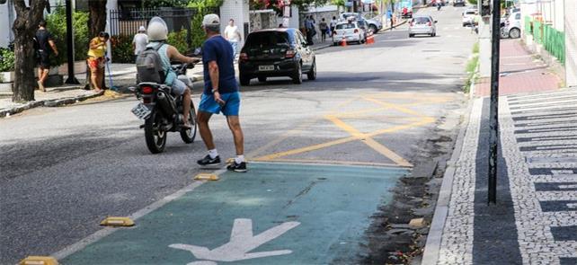 Faixa exclusiva em Fortaleza: solução prioriza o p